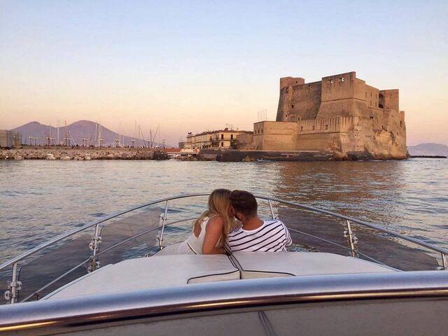 Cena romantica barca Napoli